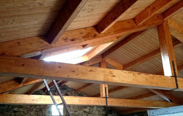 Nueva cubierta con estructura de madera.