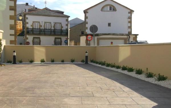 Mejora y acondicionamiento de patio principal.