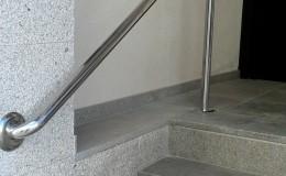 7 Instalación de barandilla de INOX para acceso a vivienda.