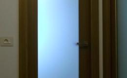 N13  Hall, detalle de encuentros entre pavimentos, las jambas de las  puertas y paredes