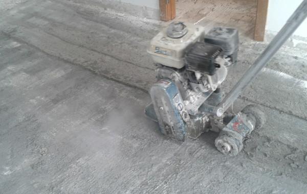 Fresado de suelos en piso.
