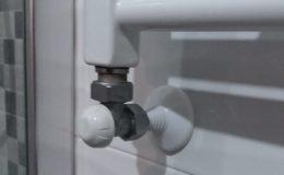 3 Detalle de inserción y remate en radiador-toallero.