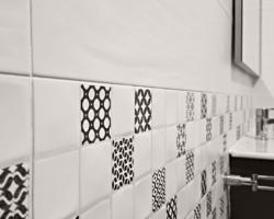 Renovación, reparación, reforma, rehabilitación, baño, casa, fachada, obra, construcción, curiosidad constructiva, acabados constructivos, buenos acabados, gestión de obra, mortero estructural, filtraciones, construcción, reforma, renovación, tornillos inoxidables, anclajes, comunidades, imprimación epoxi, pintura plástica, masilla color dorado, malla de refuerzo, impermeabilización en poliuretano, canalón de PVC, forrado de aluminio lacado, cubremuros, Burela, Viveiro, Ribadeo, Xove, Foz, Cervo, San Ciprián, Barreiros, A Mariña, Lugo, Coruña, Santiago, Ferrol, Pontevedra, Galicia. Construcciones A Basanta